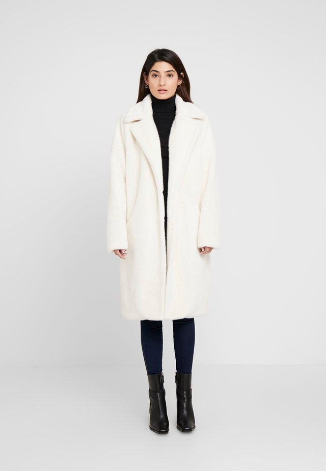LONG LINE COAT - Talvitakki - white