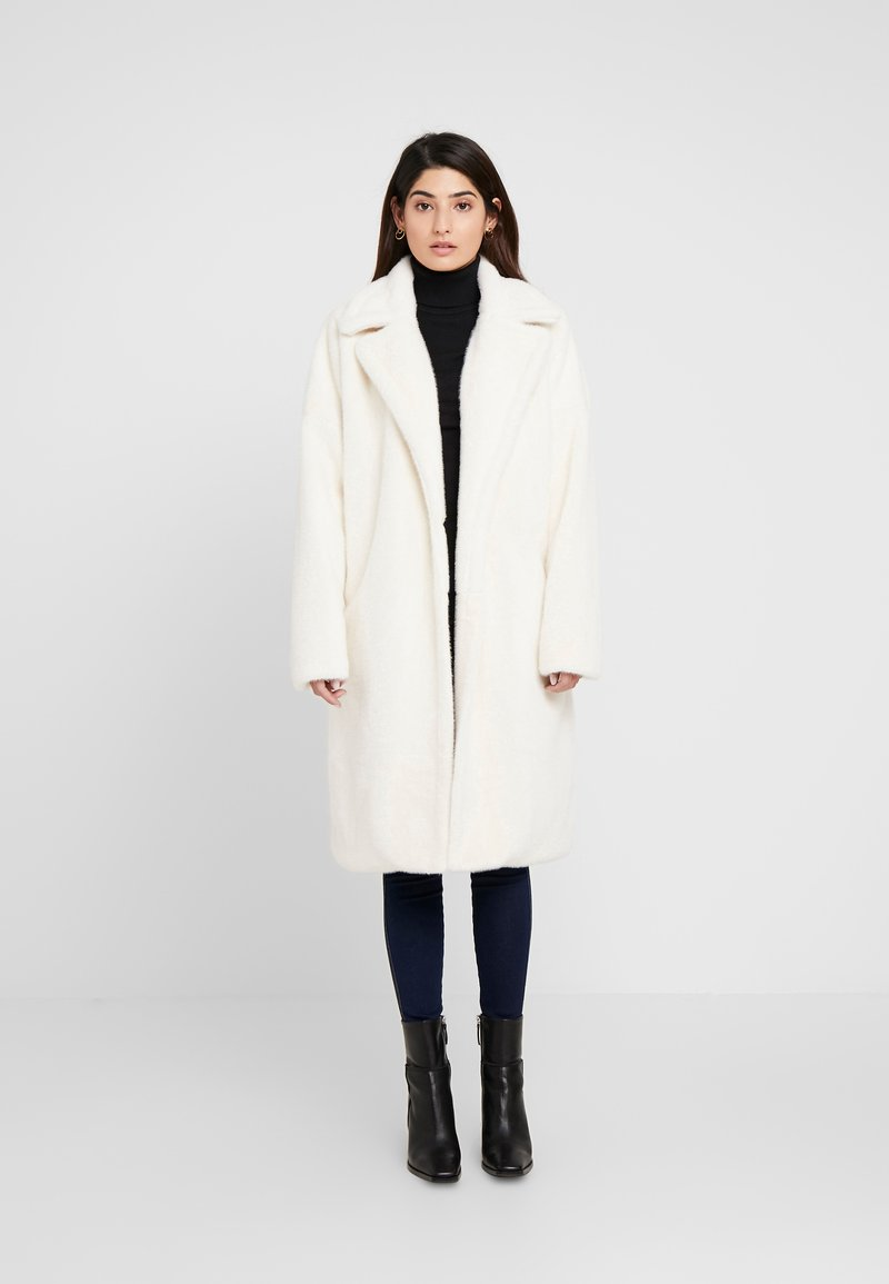 Missguided Petite - LONG LINE COAT - Zimní kabát - white