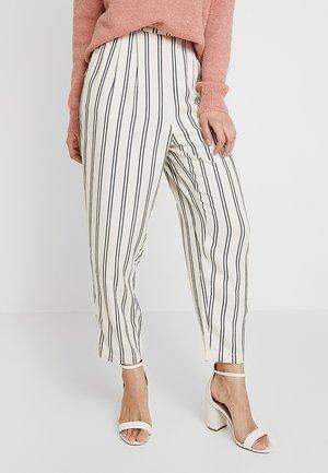ALANA PANTS - Bukse - ecru stripe