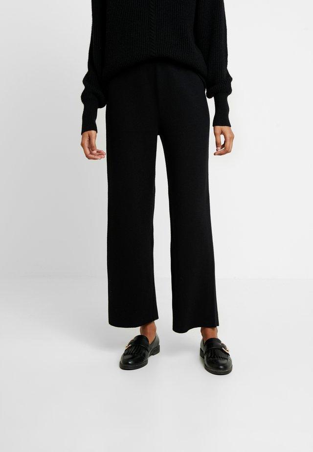 EIJA LIKE ANKLE PANTS - Trousers - black