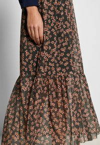 Moss Copenhagen - HAILY LONG SKIRT - Gonna a campana - rosin flower - 4