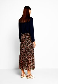 Moss Copenhagen - HAILY LONG SKIRT - Gonna a campana - rosin flower - 2