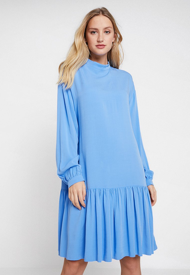Moss Copenhagen - CAMMA DRESS - Day dress - marina