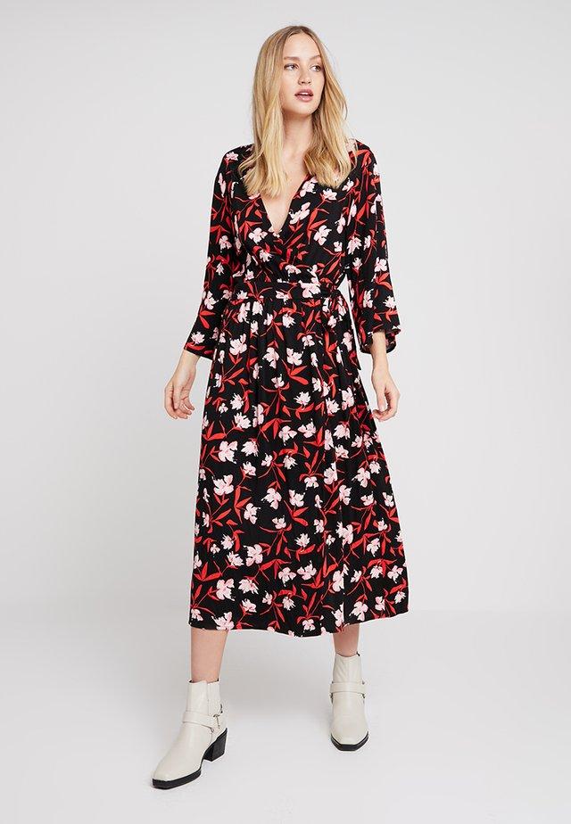 ADELA WRAP DRESS - Maxi šaty - poppy red