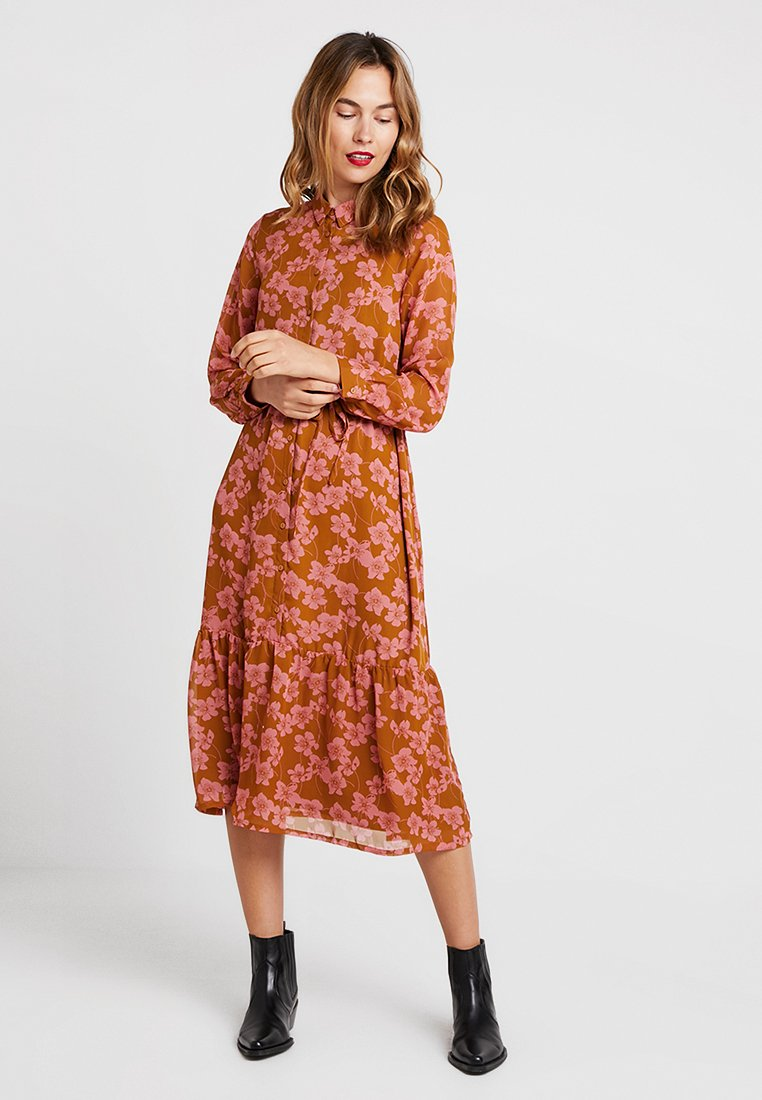Moss Copenhagen - GRACIE DRESS - Długa sukienka - rose/light brown