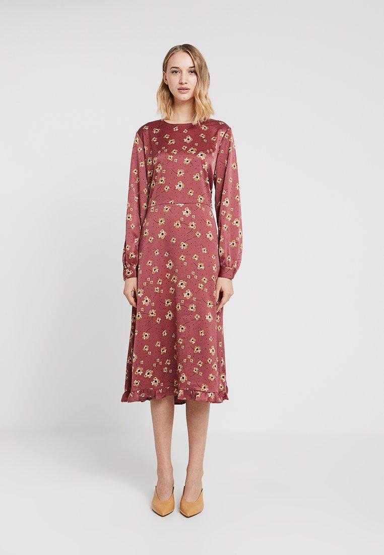 Moss Copenhagen - ISLA DRESS - Freizeitkleid - pink