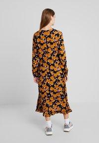 Moss Copenhagen - CELIA TURID DRESS  - Maxikjole - black - 3
