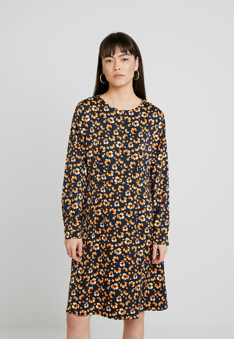 Moss Copenhagen - ISLA KARMA DRESS - Kjole - maisie
