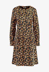 Moss Copenhagen - ISLA KARMA DRESS - Kjole - maisie - 5