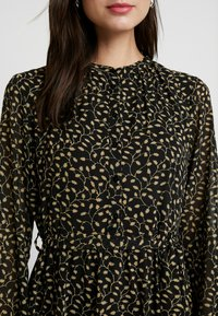 Moss Copenhagen - AUDRINA DRESS - Skjortekjole - black/yellow - 6