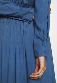 Moss Copenhagen - CADDY BEACH DRESS - Košilové šaty - blue horizon - 4