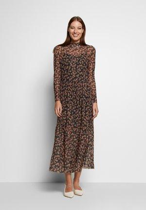 HAILY  DRESS - Kjole - rosin