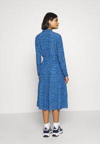Moss Copenhagen - BEATRICE JALINA - Robe d'été - blue - 2