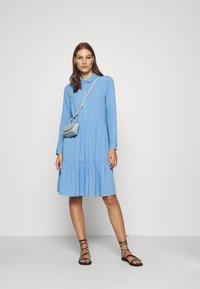 Moss Copenhagen - KAROLINA SHIRT DRESS - Shirt dress - blue - 1