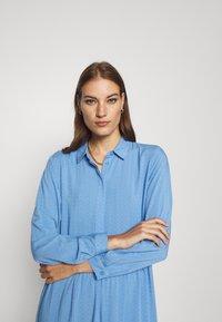 Moss Copenhagen - KAROLINA SHIRT DRESS - Shirt dress - blue - 3
