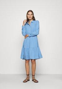 Moss Copenhagen - KAROLINA SHIRT DRESS - Shirt dress - blue - 0