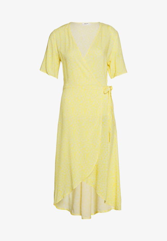 ISALIE TURID WRAP DRESS - Freizeitkleid - panana