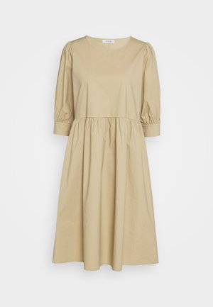 MINORA 3/4 DRESS - Vestido informal - travetine