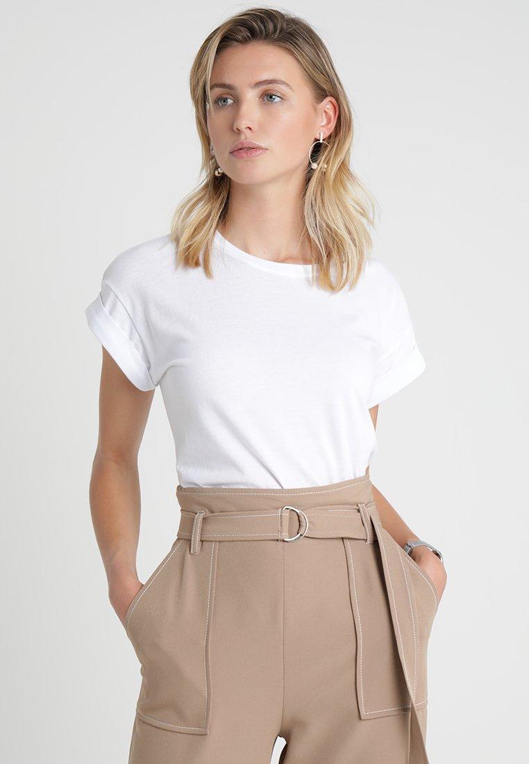 Moss Copenhagen - ALVA PLAIN TEE - T-shirts - white
