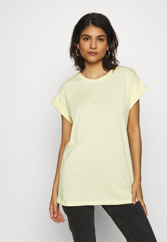 ALVA PLAIN TEE - T-shirts - pale banana