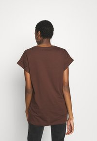 Moss Copenhagen - ALVA PLAIN TEE - Basic T-shirt - coffee - 2