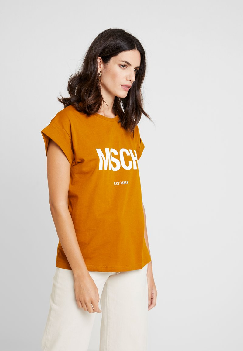Moss Copenhagen - ALVA TEE - T-Shirt print - cathay spice/white