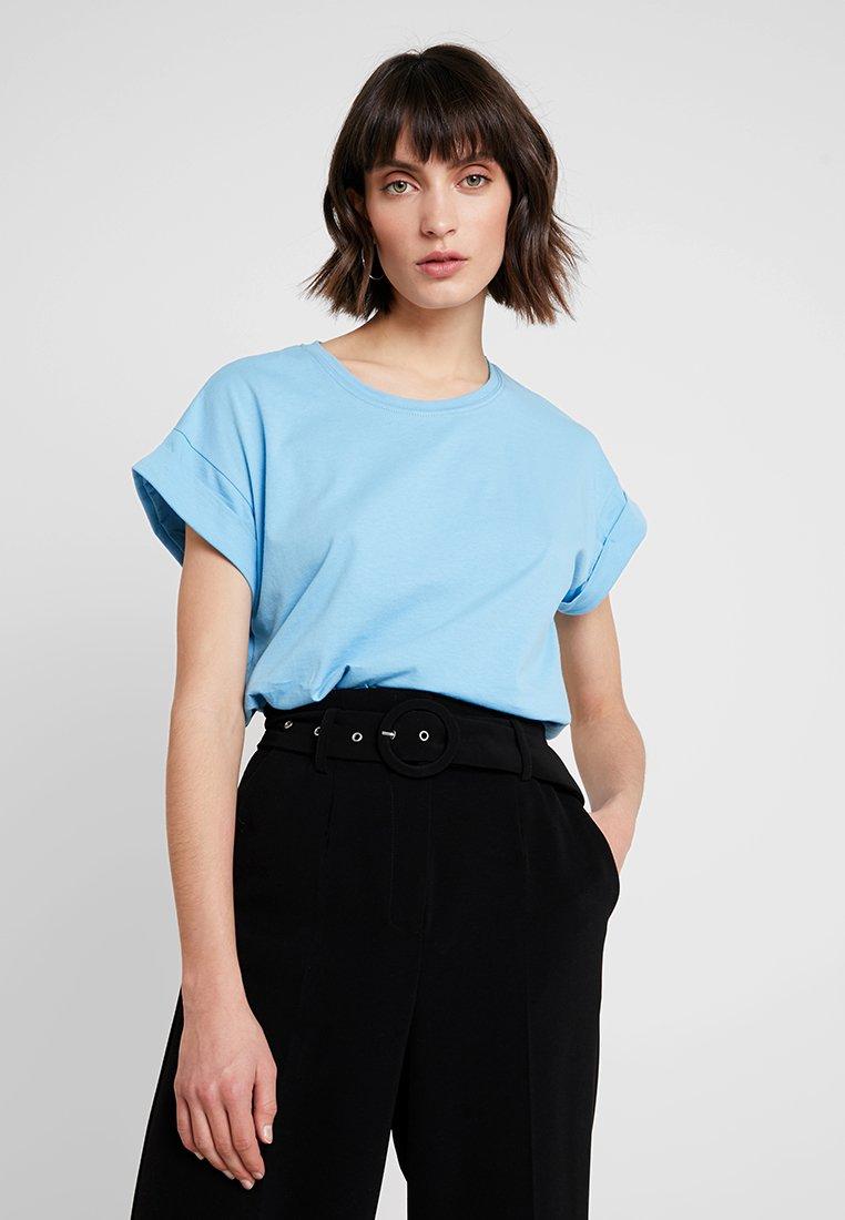 Moss Copenhagen - ALVA TEE - Basic T-shirt - alaskan blu