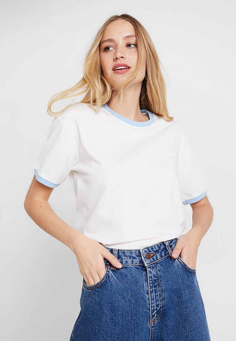 Moss Copenhagen - DIDA CONTRAST TEE - T-Shirt basic - white/blue