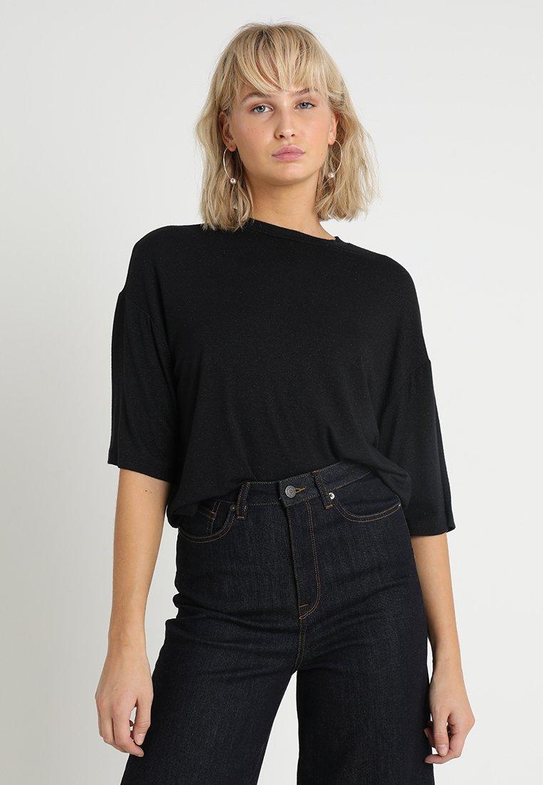 Moss Copenhagen - LUNE - Camiseta básica - black