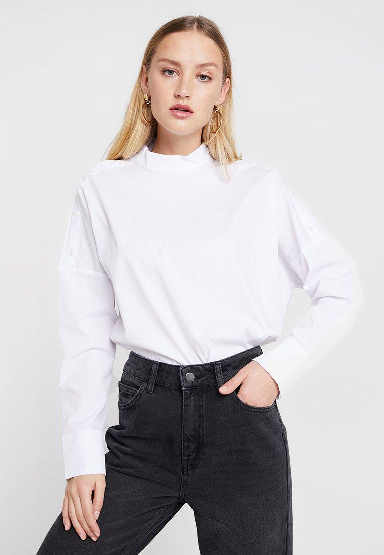 Moss Copenhagen - OMA - Bluse - bright white