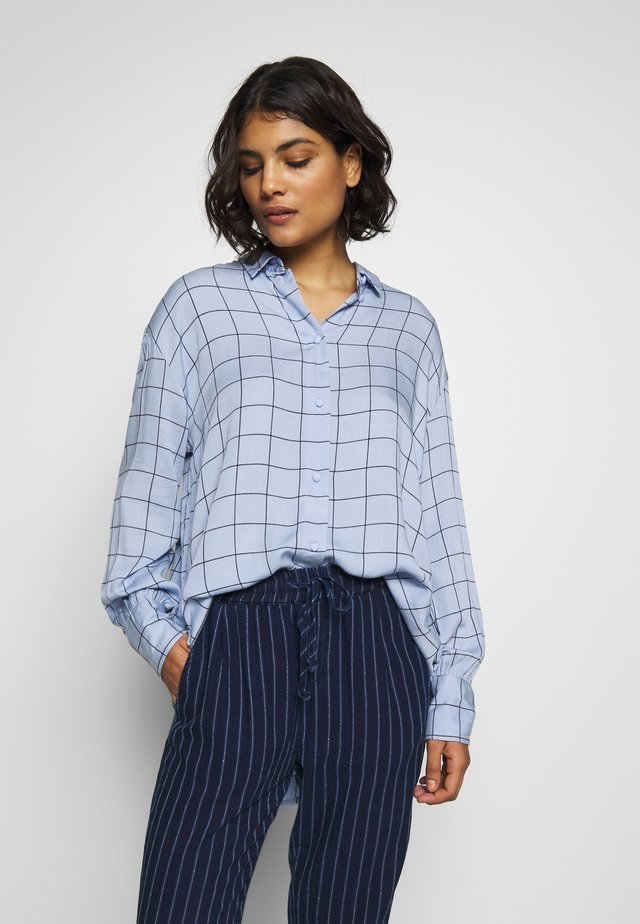 MELINE ALANA  - Button-down blouse - light blue
