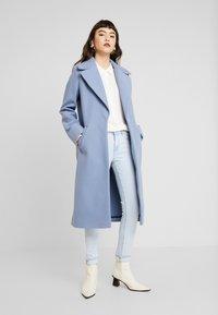 Moss Copenhagen - CADDY BEACH - Button-down blouse - egret - 1