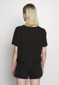 Moss Copenhagen - LINA TOP - T-shirts - black - 2
