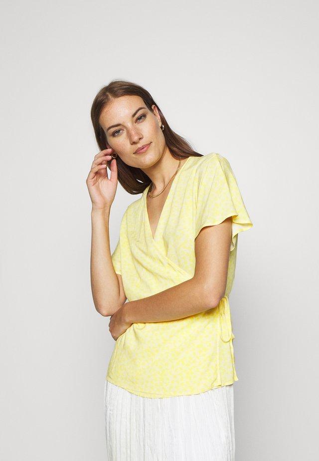 ISALIE TURID WRAP - Bluse - yellow