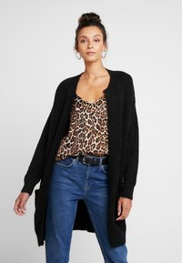 Moss Copenhagen - VOGUE LONG CARDIGAN - Strikjakke /Cardigans - black - 0