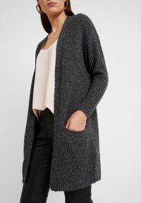 Moss Copenhagen - VIRA CARDIGAN - Vest - mottled dark grey - 5