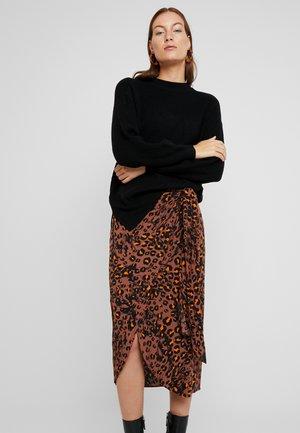 DALINA O NECK - Stickad tröja - black
