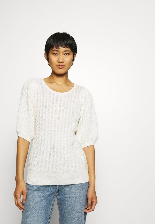 KATTIE - Basic T-shirt - egret