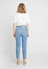 Moss Copenhagen - CRYSTAL MOM - Jeans Relaxed Fit - vintage blue - 2