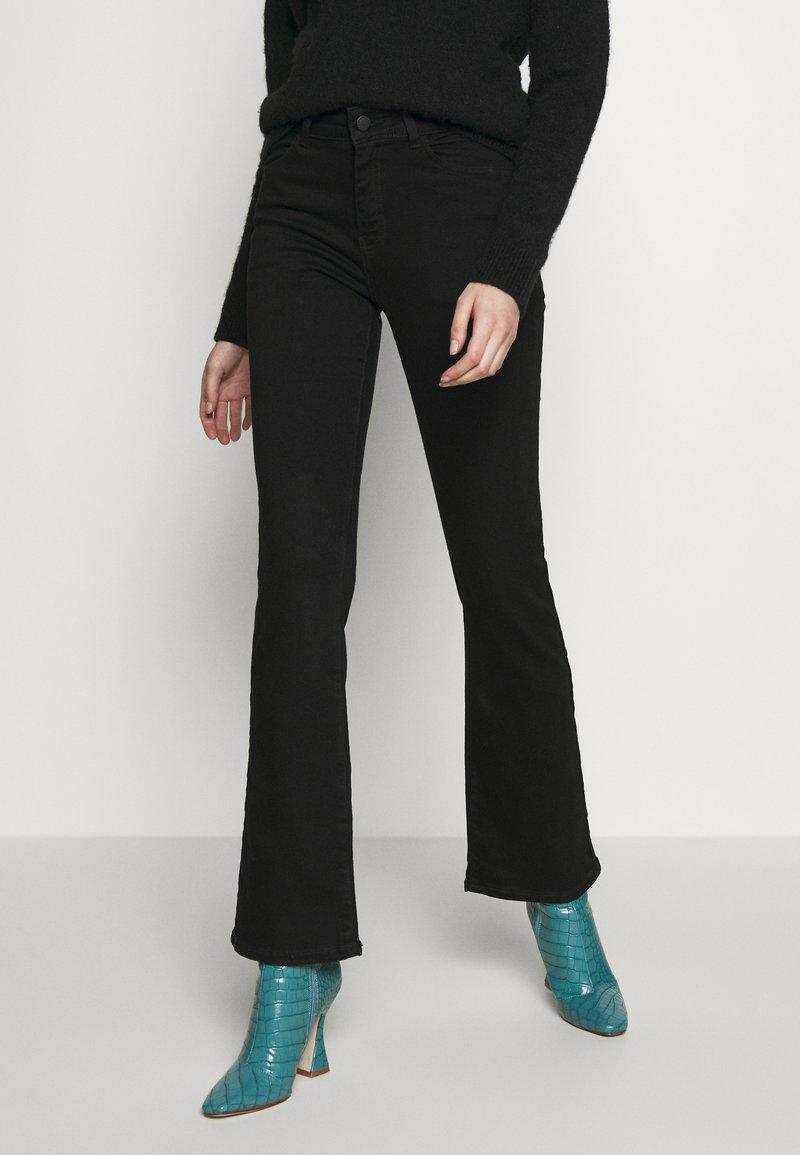 Moss Copenhagen - SIGGA FLARED - Jeans straight leg - black wash