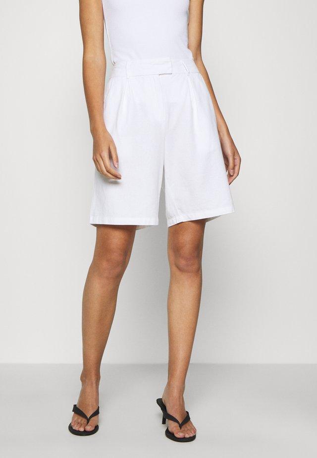 NETRA - Shorts - egret