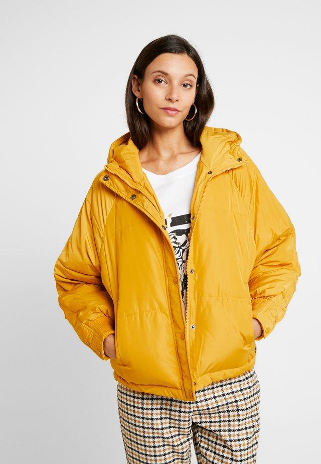 FILU JACKET - Zimní bunda - golden yellow