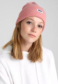 Moss Copenhagen - MOJO BEANIE - Bonnet - quartz pink - 1