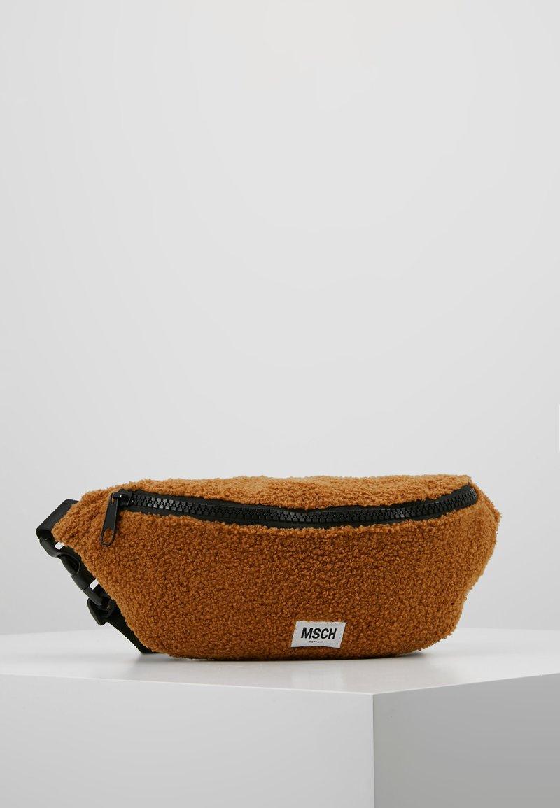 Moss Copenhagen - TEDDY BUMBAG - Bum bag - caramel cafe