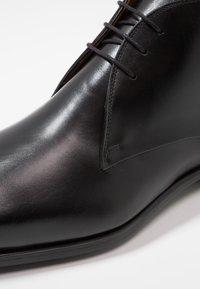 Magnanni - Zapatos con cordones - black - 5