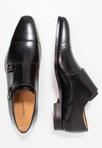 Magnanni - Elegantní nazouvací boty - black - 1