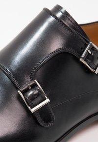 Magnanni - Elegantní nazouvací boty - black - 5