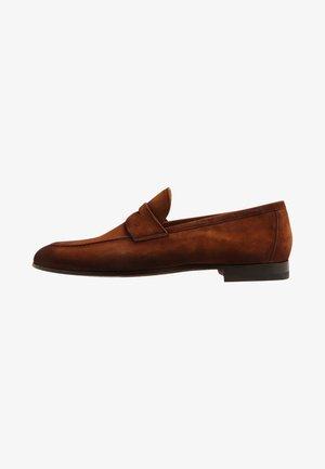 GUATONO - Slippers - cognac