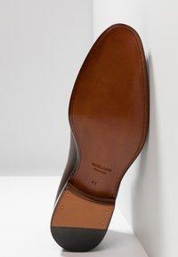 Magnanni - Elegantní šněrovací boty - tabaco al tono - 4
