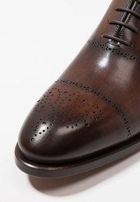 Magnanni - Elegantní šněrovací boty - tabaco al tono - 5